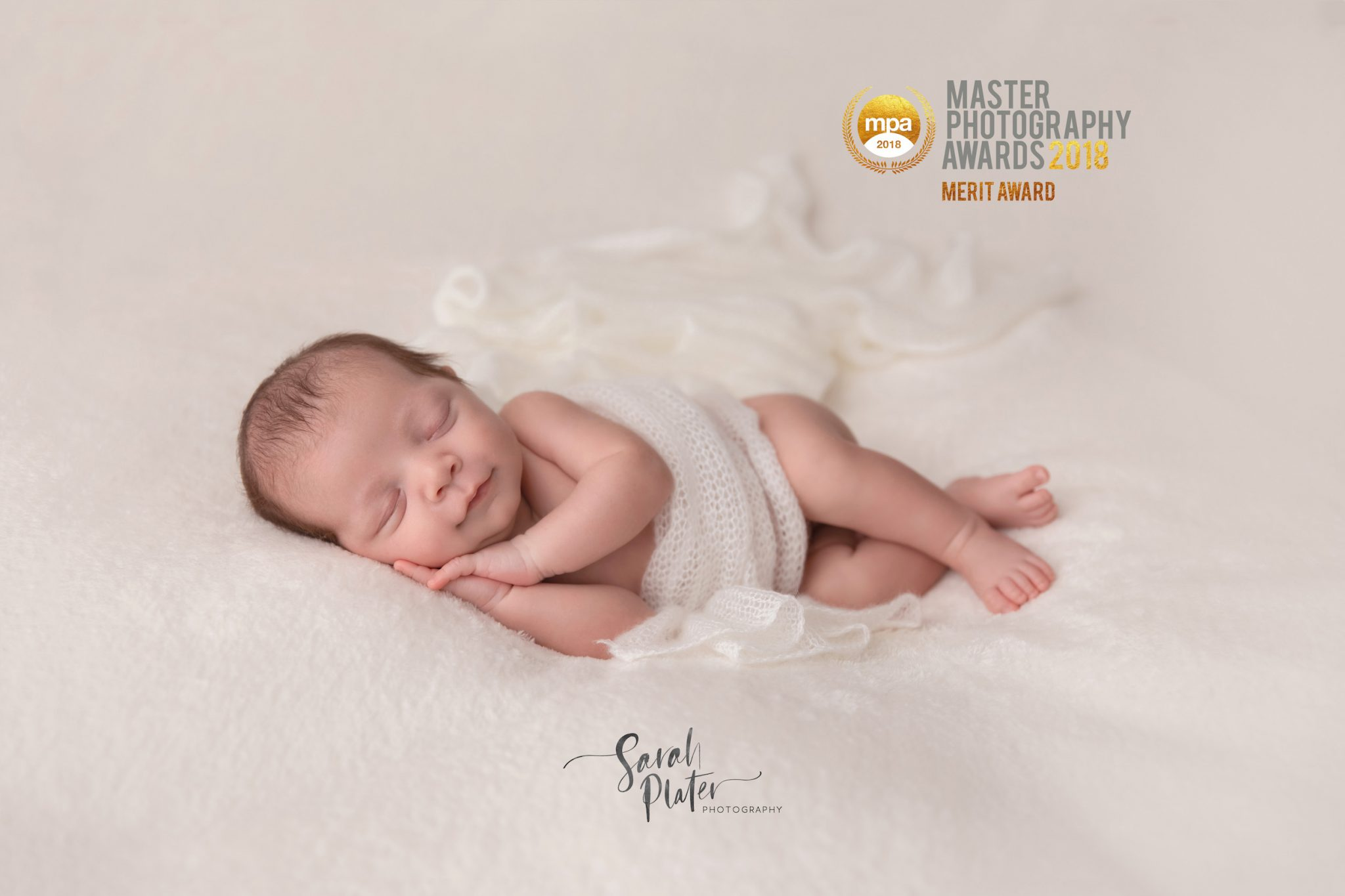Newborn portraits of 4 week old bryn oxfordshire newborn photography